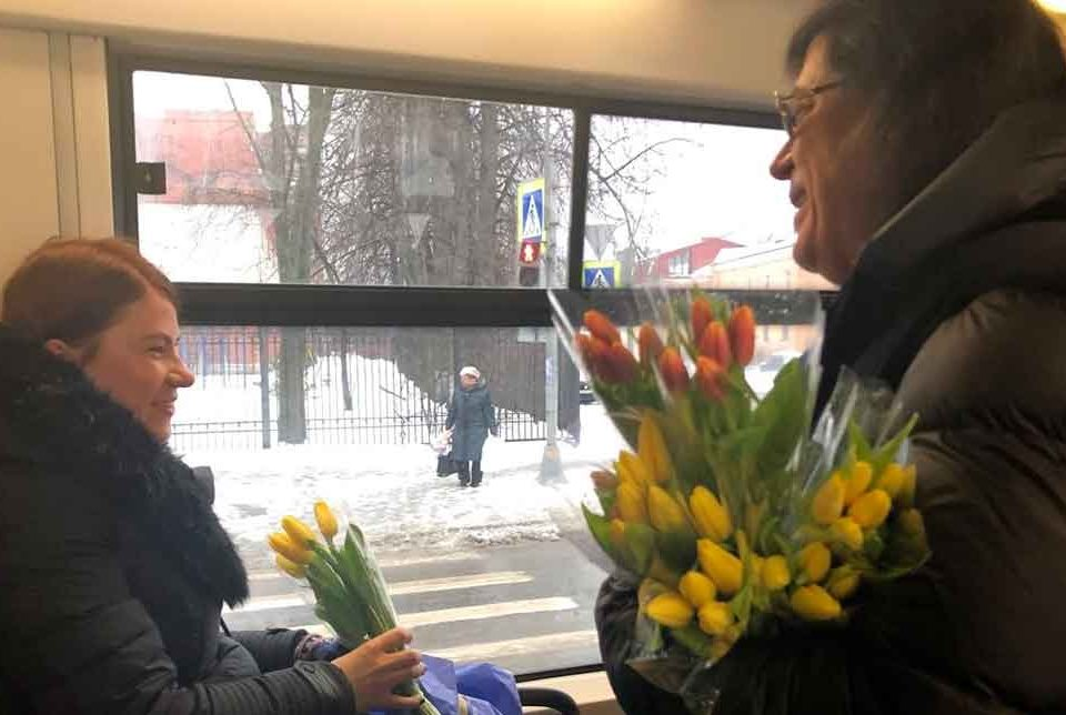 pozdravleniye-s-8-marta-2